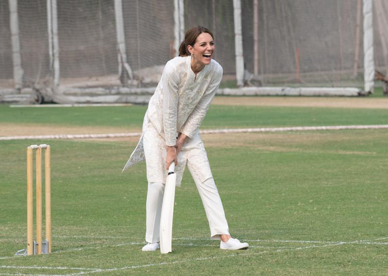 LAHORE, PAKISTAN - OCTOBER 17: (UK OUT FOR 28 DAYS) Catherine, Duchess of Cambridge takes part in a game of cricket as she visits the National Cricket Academy in Lahore on October 17, 2019 in Lahore, Pakistan. (Photo by Pool/Samir Hussein/WireImage)