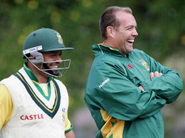 PERTH, AUSTRALIA - DECEMBER 14: Ashwell Prince (L) and Jacques Kallis of South Africa look on during a training session at the WACA December 14, 2005 in Perth, Australia.  (Photo by Paul Kane/Getty Images)
