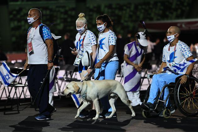 Athletes from Team Israel enter the stadium during the parade of athletes during the opening ceremony of the Tokyo 2020 Paralympic Games. (Photo: Buda Mendes via Getty Images)