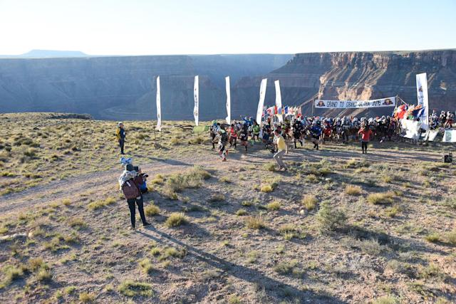 Racers start the ultramarathon at the Grand Canyon. (Photo courtesy of Grand to Grand Ultra)