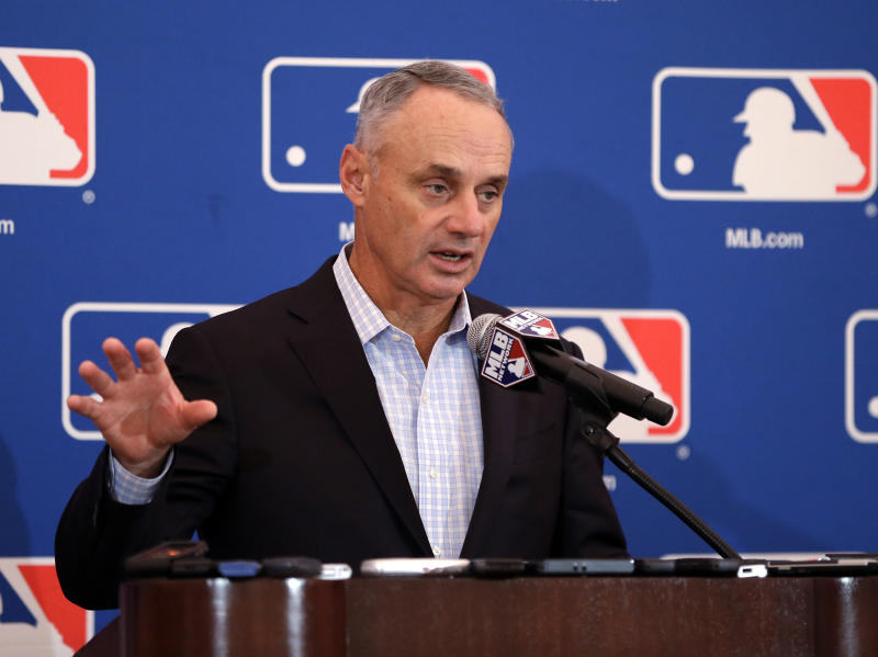 Baseball owners extend Rob Manfred's contract