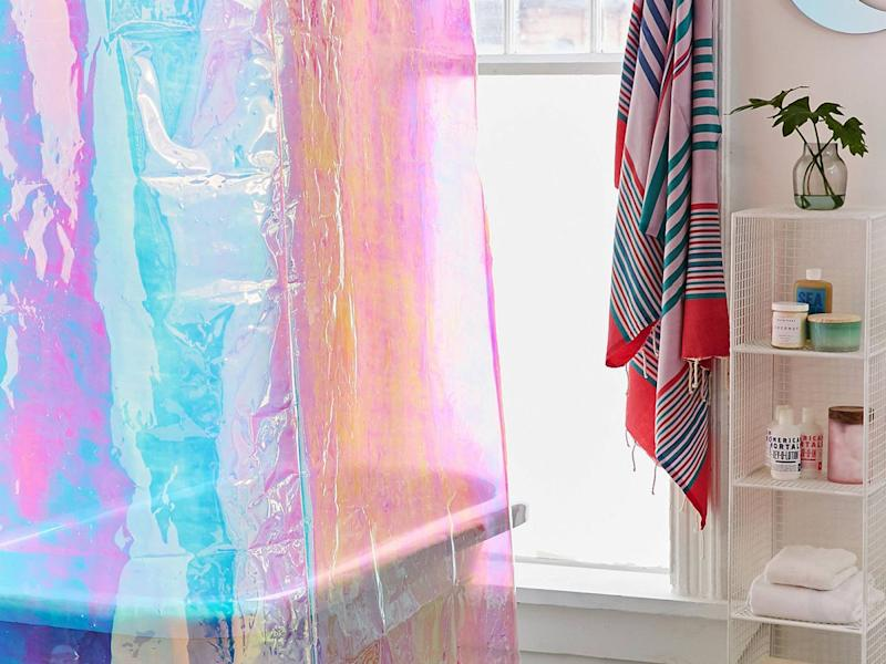 10 Pretty Shower Curtains To Makeover Your Bathroom