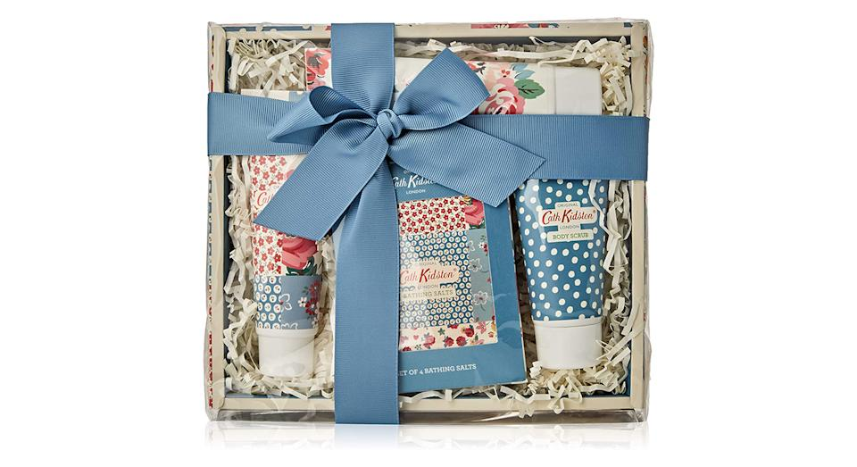 Cath Kidston Beauty Cottage Patchwork Pamper Hamper