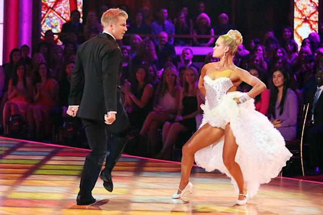 "Sean Lowe and Peta Murgatroyd perform on ""Dancing With the Stars."""