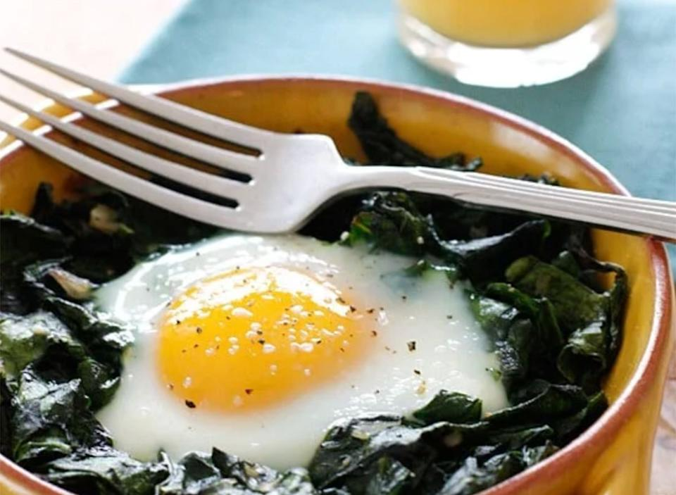 baked egg spinach