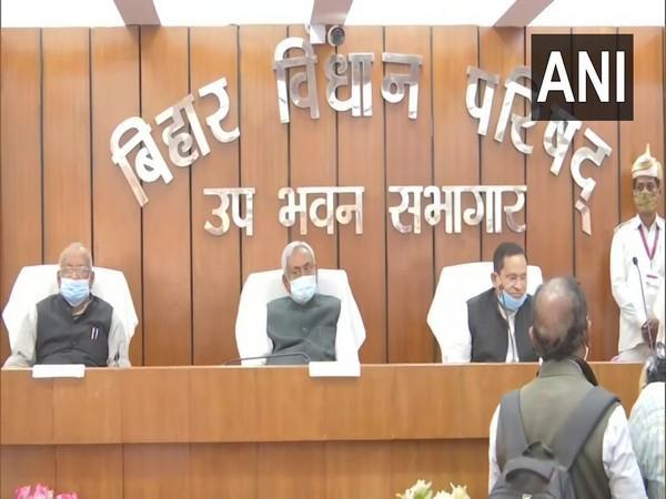 Chief Minister Nitish Kumar (Center) during oath taking ceremony of MLCs (photo/ANI)