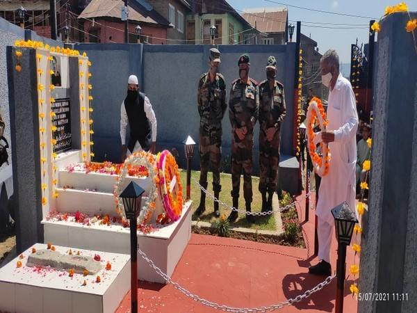 Indian Army organises remembrance prayers for Janab Maqbool Sherwani, a Kashmiri youth who misguided raiders from Pakistan but was killed later. (Photo/ANI)