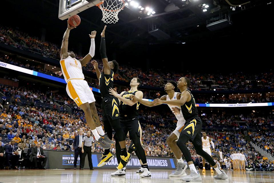 COLUMBUS, OHIO - MARCH 24:  Admiral Schofield #5 of the Tennessee Volunteers goes up for a shot against the Iowa Hawkeyes during their game in the Second Round of the NCAA Basketball Tournament at Nationwide Arena on March 24, 2019 in Columbus, Ohio. (Photo by Gregory Shamus/Getty Images)