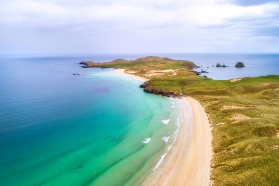 The waters are pristine around Balnakeil Beach (istock/rpeters86)