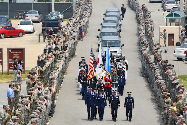 <p>Members of the United Nations Command stand at attention upon the arrival of 55 boxes of remains thought to be of U.S. soldiers killed in the 1950-53 Korean War, returned by North Korea to the U.S., during a return ceremony at the Osan Air Base in South Korea, July 27, 2018. (Photo: U.S. Army/ Sgt. Ashley Tyler/Handout via Reuters) </p>