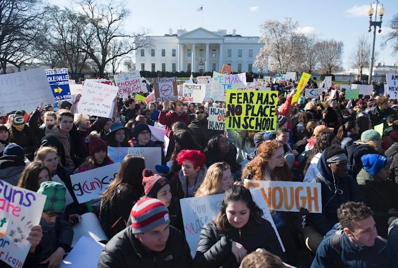 Thousands of students sat for 17 minutes outside the White House in honor of the victims of last month's high school shooting in Florida
