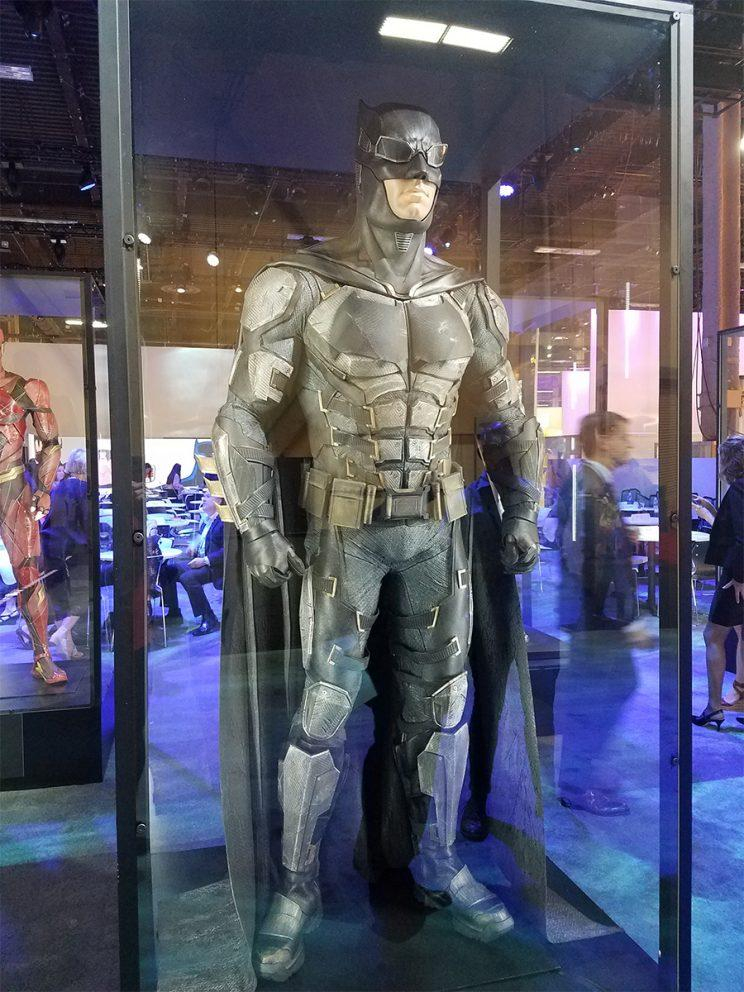 Batman's cool new Justice League suit - Credit: Collider
