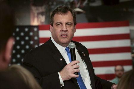 U.S. Republican presidential candidate Governor Chris Christie speaks to supporters in West Des Moines, Iowa