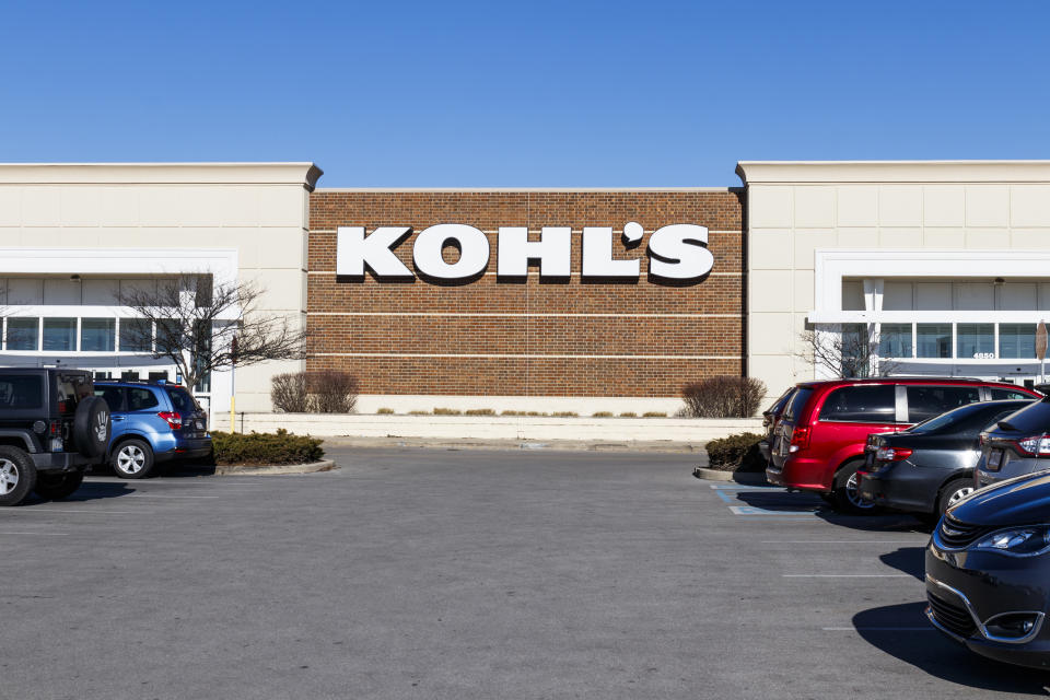 Indianapolis - Circa January 2020: Kohl's Retail Store Location. Kohl's is accepting Amazon returns free of charge