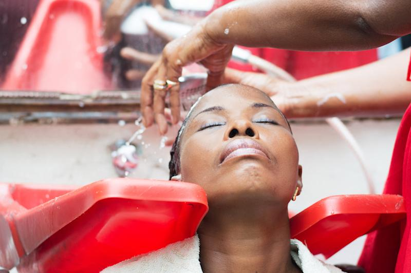 Women who use permanent hair dye and chemical hair straighteners may be at an increased risk of breast cancer — particularly black women. (Photo: Getty Images)