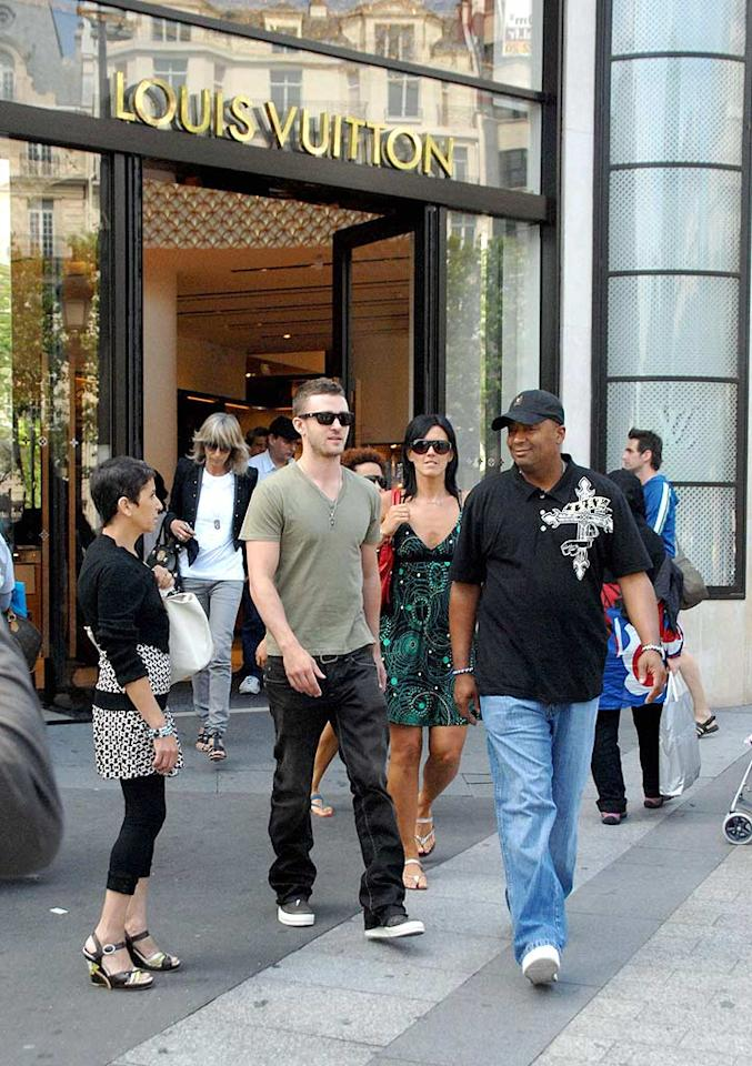 """Justin Timberlake hits up Louis Vuitton while in Paris. Perhaps he picked up a souvenir for his girlfriend Jessica Biel? <a href=""""http://www.infdaily.com"""" target=""""new"""">INFDaily.com</a> - June 23, 2008"""