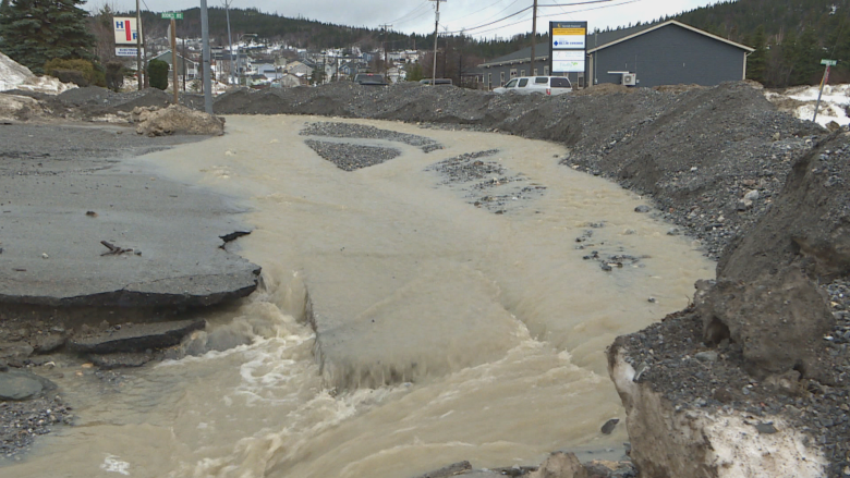 Flooding no damper on Hockey Day in Canada events in Corner Brook