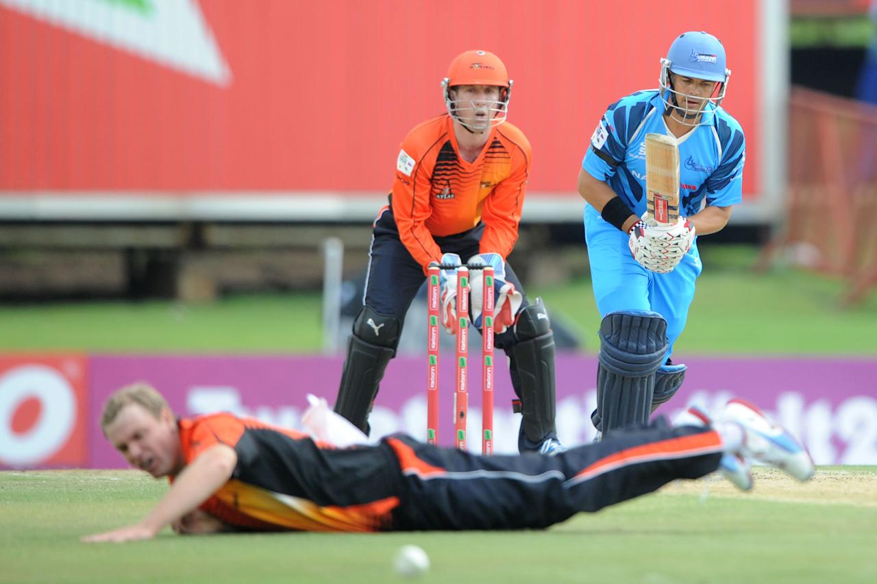 PRETORIA, SOUTH AFRCA - OCTOBER 13:  Jacques Rudolph (R) of the Titans bats during the Karbonn Smart CLT20 match between Nashua Titans (South Africa) and Perth Scorchers (Australia) at SuperSport Park on October 13, 2012 in Pretoria, South Africa.  (Photo by Lee Warren/Gallo Images/Getty Images)