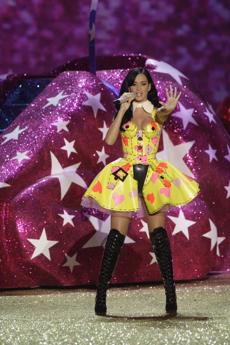 Katy Perry performs during the Victoria's Secret Fashion Show in New York, Wednesday, Nov. 10, 2010.  (AP Photo/Seth Wenig)