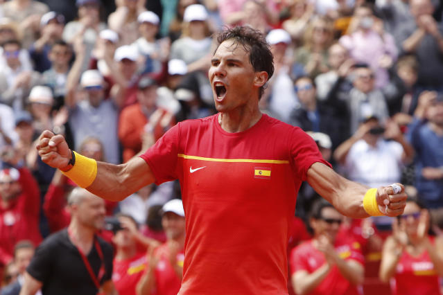 Spain's Rafael Nadal celebrates after defeating Germany's Alexander Zverev 6-1, 6-4, 6-4 during a World Group Quarter final Davis Cup tennis match between Spain and Germany at the bullring in Valencia, Spain, Sunday April 8, 2018. (AP Photo/Alberto Saiz)