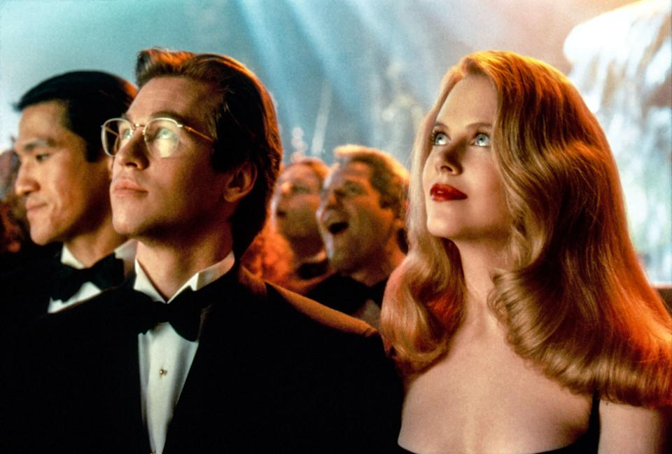 Val Kilmer as Bruce Wayne and Nicole Kidman as Chase Meridian in 'Batman Forever' (Photo: Warner Bros./Everett Collection)