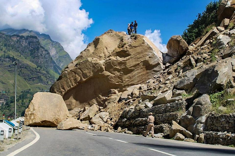 """<div class=""""paragraphs""""><p>A view of the blocked Manali-Leh highway after landslides at Nehru Kund near Manali on Thursday, 16 September.</p></div>"""