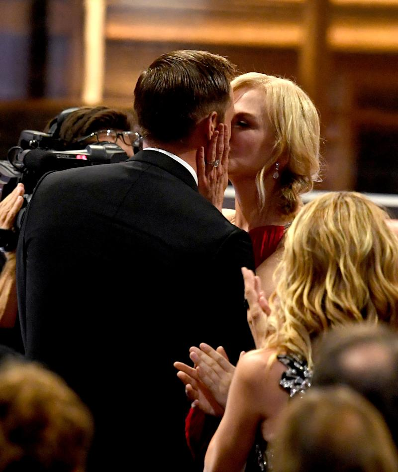 "Actor Alexander Skarsgard kisses actress Nicole Kidman as he goes to accept Outstanding Supporting Actor in a Limited Serier or Movie for ""Big Little Lies"" with actor during the 69th Annual Primetime Emmy Awards at Microsoft Theater on September 17, 2017 in Los Angeles, California. (Photo by Kevin Winter/Getty Images)"