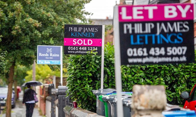 Mortgage approvals rise sharply in rush to escape Britain's cities