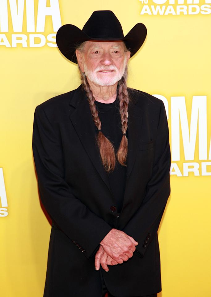 "<p class=""MsoNormal"">Willie Nelson looked like he'd rather be ""on the road again"" versus posing on the red carpet in an all-black ensemble and his signature braids. </p>"