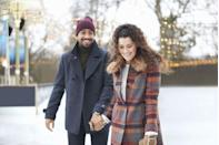 <p>Just because the holidays are over doesn't mean ice skating is any less sweet and romantic!</p>