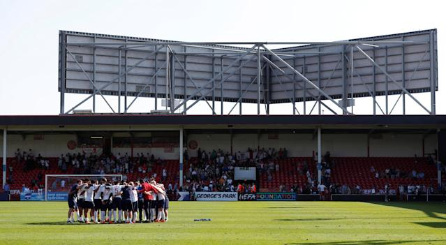 Soccer Football - UEFA European Under-17 Championship - Group A - England v Italy - The Banks's Stadium, Walsall, Britain - May 7, 2018 England team huddle after the match Action Images via Reuters/Andrew Boyers