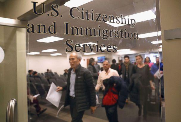PHOTO: Immigrants prepare to become American citizens at a naturalization service on Jan. 22, 2018 in Newark, N.J. (John Moore/Getty Images, FILE)