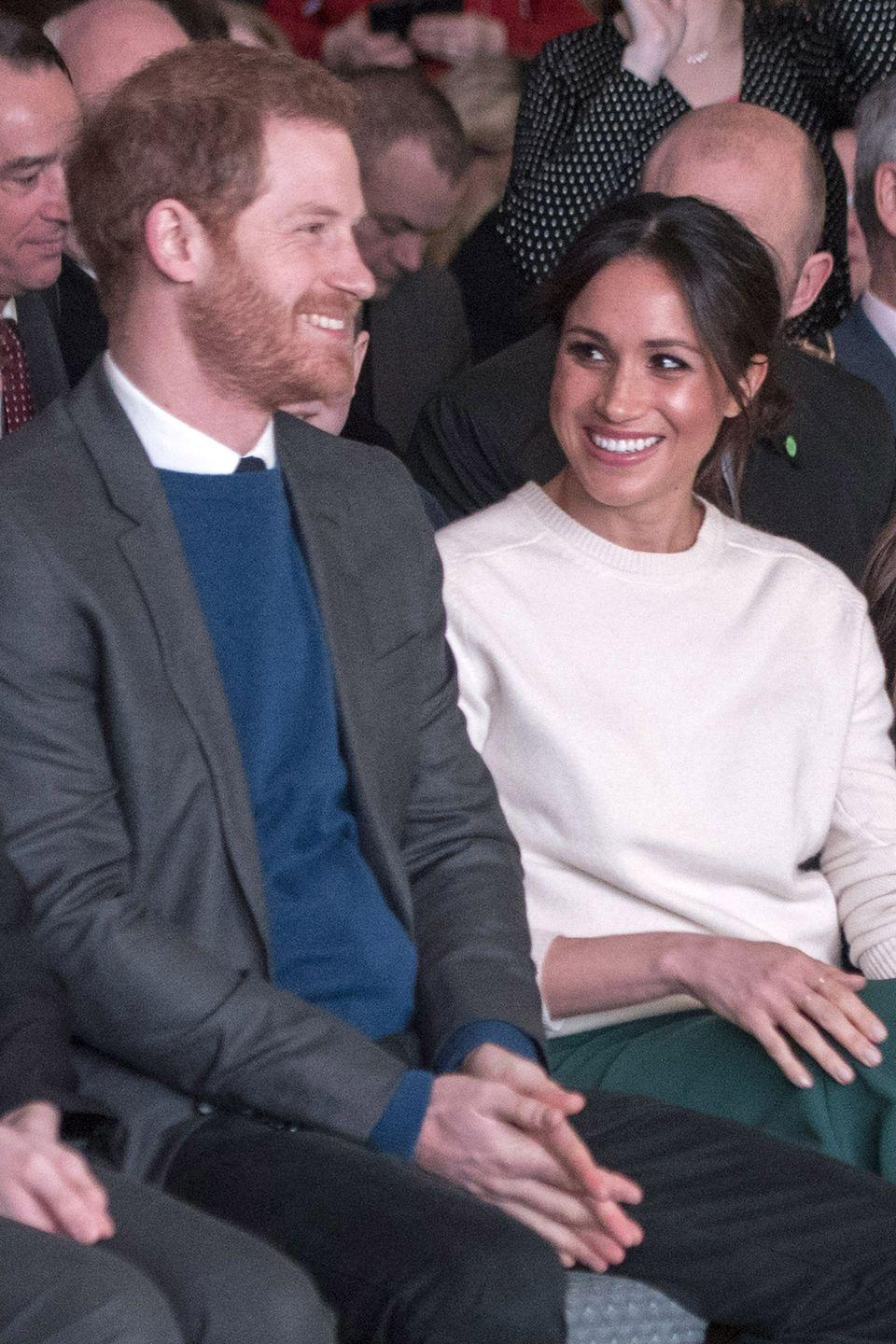 <p>Inside the event, the couple exchanged smiles amongst other attendees. </p>