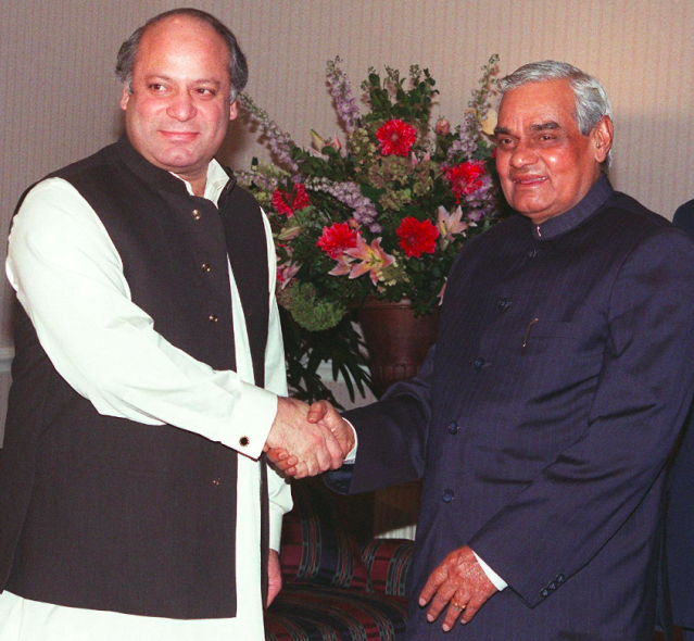 <p>Atal Bihari Vajpayee shaking hands with the then Pakistan prime minister Nawaz Sharif. </p>