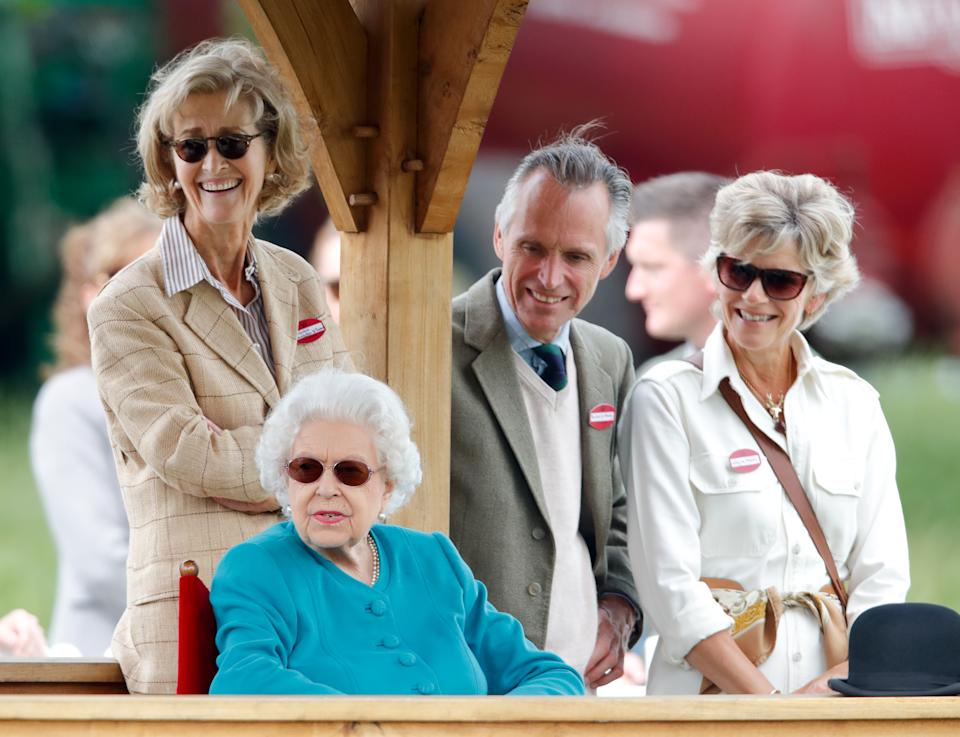 WINDSOR, UNITED KINGDOM - JULY 01: (EMBARGOED FOR PUBLICATION IN UK NEWSPAPERS UNTIL 24 HOURS AFTER CREATE DATE AND TIME) Queen Elizabeth II, accompanied by Penelope Knatchbull, Countess Mountbatten of Burma, Rupert Ponsonby, Lord de Mauley (Master of the Horse to Queen Elizabeth II) and Lucinda Ponsonby, Lady de Mauley, attends day 1 of the Royal Windsor Horse Show in Home Park, Windsor Castle on July 1, 2021 in Windsor, England. (Photo by Max Mumby/Indigo/Getty Images)
