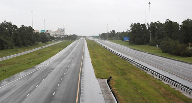 <p><strong>Kissimmee</strong><br>Empty Interstate 4 near the Florida theme parks is seen ahead of the arrival of Hurricane Irma in Kissimmee, Fla., Sept. 10, 2017. (Photo: Gregg Newton/Reuters) </p>