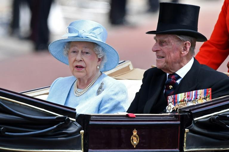 Queen Elizabeth II and Prince Philip will spend their anniversary with other members of the royal family