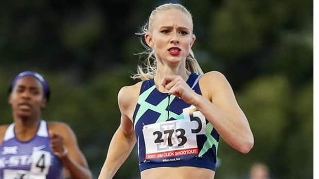 Canada's Sage Watson opened her outdoor season in the women's 400-metre hurdles on Saturday, posting a winning time of 55.93 seconds at the West Coast Classic in Tucson, Ariz. The time ranks fourth in the world this season. (Twitter/@ArizonaTrack - image credit)