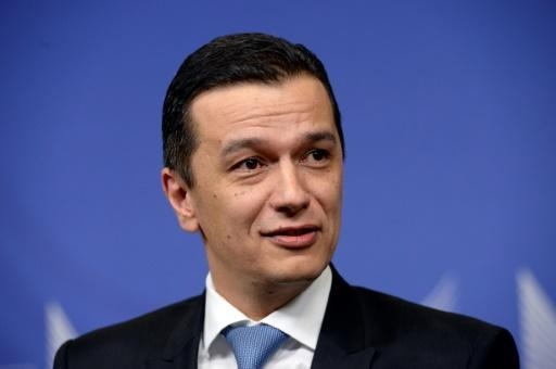 Romania in turmoil as ruling left drops PM support