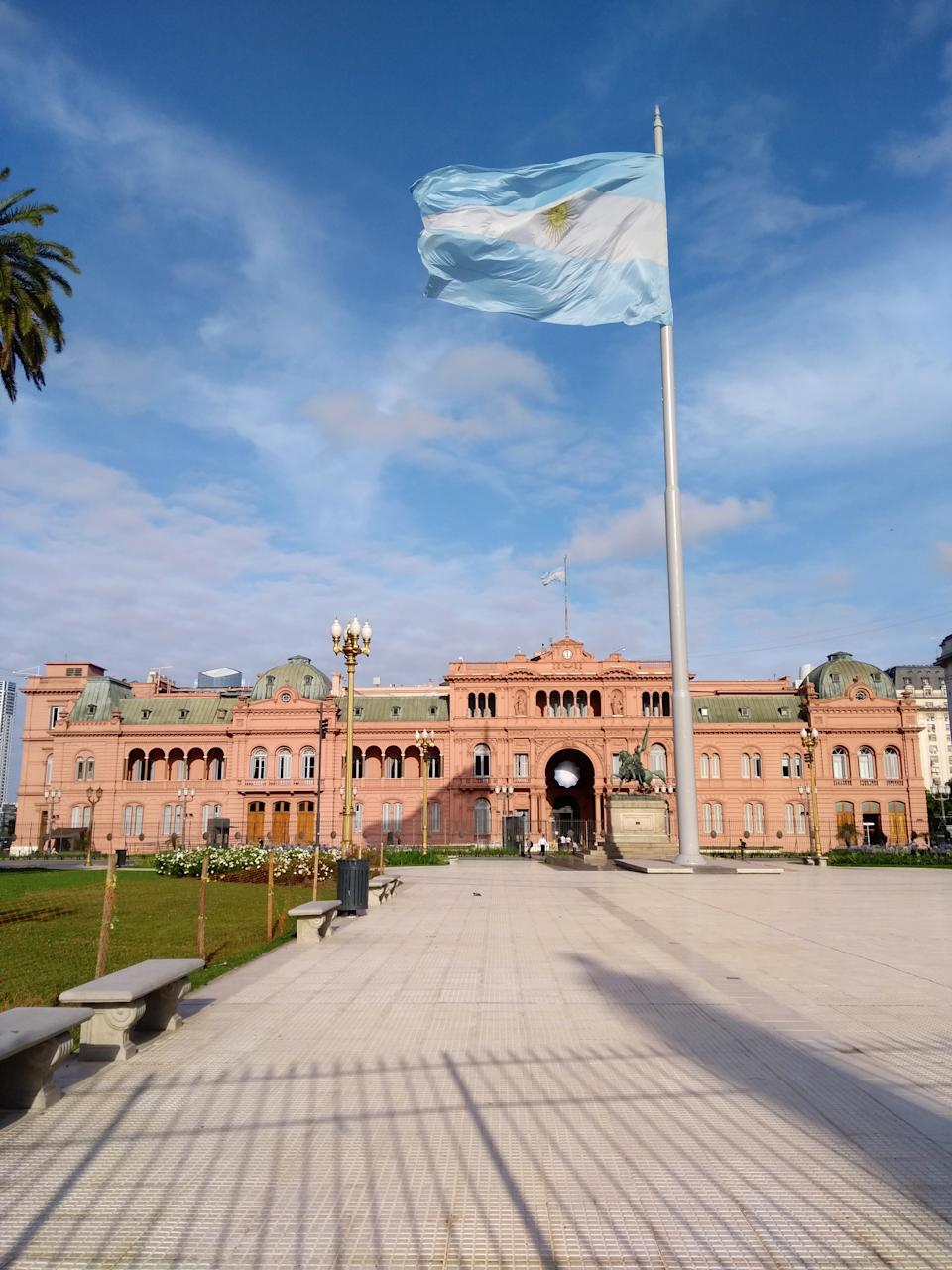 Buenos Aires is a multicultural city. The city is located on the western shore of the estuary of the Río de la Plata.
