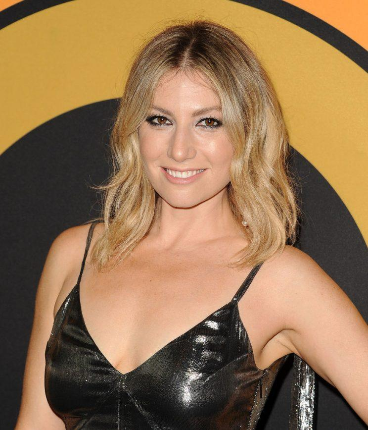 Ari Graynor Learned To Love Her Curls And Found Her Voice