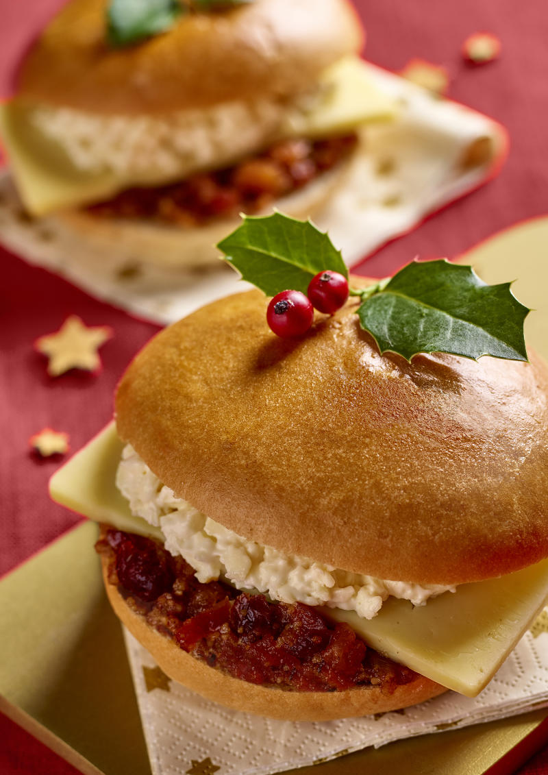 Morrisons' mince pie sandwich is a twist on the traditional cheese and chutney. [Photo: Morrisons]