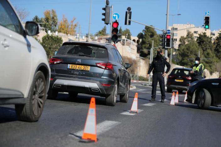 Israel tightens a national lockdown amid rise in coronavirus infections, in Jerusalem