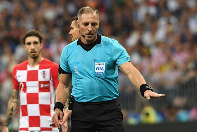 Moscow (Russian Federation), 15/07/2018.- Referee Nestor Pitana of Argentina reacts during the FIFA World Cup 2018 final between France and Croatia in Moscow, Russia, 15 July 2018. (RESTRICTIONS APPLY: Editorial Use Only, not used in association with any commercial entity - Images must not be used in any form of alert service or push service of any kind including via mobile alert services, downloads to mobile devices or MMS messaging - Images must appear as still images and must not emulate match action video footage - No alteration is made to, and no text or image is superimposed over, any published image which: (a) intentionally obscures or removes a sponsor identification image; or (b) adds or overlays the commercial identification of any third party which is not officially associated with the FIFA World Cup) (Croacia, Mundial de Fútbol, Moscú, Rusia, Francia) EFE/EPA/FACUNDO ARRIZABALAGA EDITORIAL USE ONLY