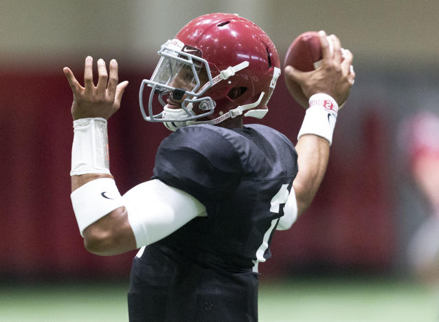 The father of Alabama quarterback Jalen Hurts intimated his son could transfer if he does not win the starting quarterback job. (Vasha Hunt//AL.com via AP)