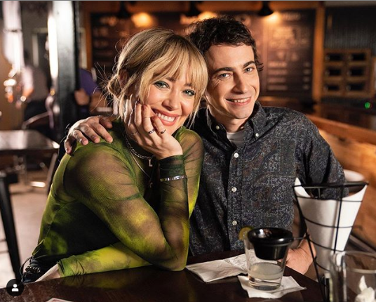 Hilary Duff and Gordo on Lizzie McQuire set