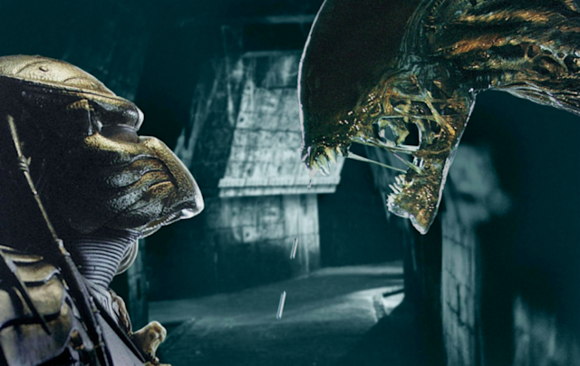Titular space invaders square off in <i>Alien vs. Predator</i>. (Photo: 20th Century Fox)
