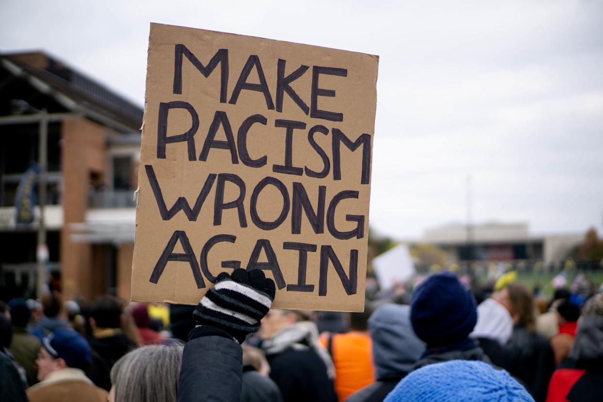 Hundreds of anti-racist protesters showed up at a rally backed by the violent street gang Proud Boys and other far-right extremists in Philadelphia on Saturday. (Photo: NurPhoto via Getty Images)