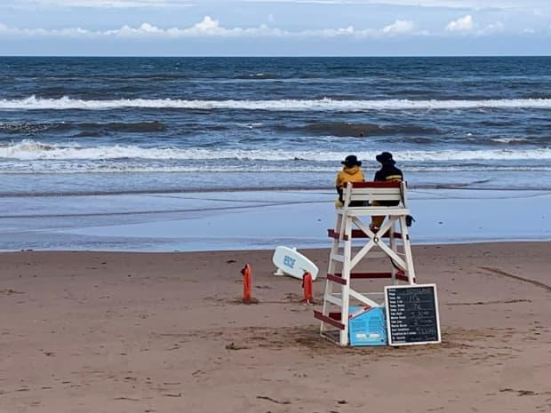 Surf conditions remain dangerous in P.E.I. National Park. (Sara Fraser/CBC - image credit)