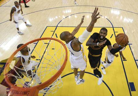 Kevin Durant's menacing defence leads the way for Warriors